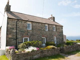 Holiday Apartment - Cartref, Llanwnda, Strumble Head - Llanwnda vacation rentals