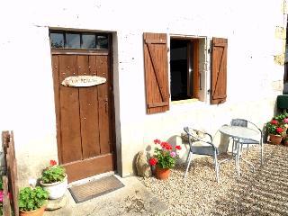 Maison La Peruse - Exideuil vacation rentals