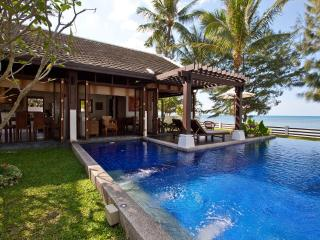 Beachfront Villa, Private Pool, 5 adults + 4 kids - Mae Nam vacation rentals