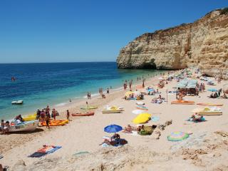 Spacious Studio for Beach Lovers - Carvoeiro vacation rentals