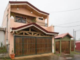 Parte Exterior de la casa - Acogedor Lugar En San Ramon Costa Rica - Ciudad Colon - rentals