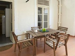 LOVELY APARTMENT IN THE HEART OF LISBON - Lisbon vacation rentals