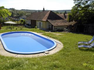 Hegyház - Szakacsi vacation rentals