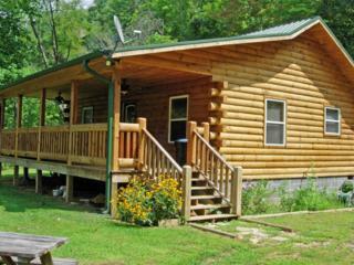 Way Away Log Cabin w/ Hot Tub near Cherokee & Harr - Cherokee vacation rentals