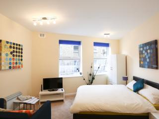 Soho 1 Bedroom Apartment in Chinatown, London - London vacation rentals