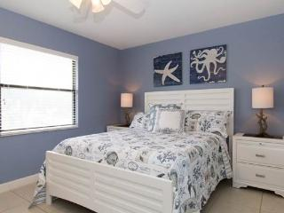 Anna Maria Island (blue) Cast Away Rental - Holmes Beach vacation rentals