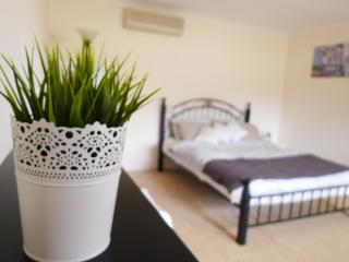 Centralize location.. Close to CBD and Fremantle - Willetton vacation rentals
