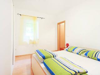 Apartment Brunetto for 5 in Sibenik - Sibenik vacation rentals