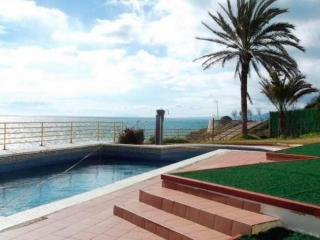Apartment in first line beach - Costa Dorada vacation rentals
