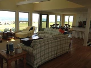 Shangri La Beach House on the Water, 1/4 mile from Wallis Sands and Ordiorne Pt - New Hampshire Seacoast vacation rentals