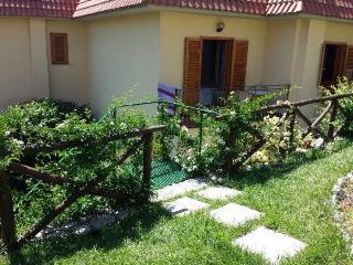 SORRENTO VILLA WITH GARDEN SEA VIEW - Nerano vacation rentals