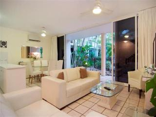 Yaringa # 7 - Close to beach and town centre - Port Douglas vacation rentals