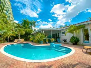 Zen Garden Oasis with Pool and Florida room - Fort Lauderdale vacation rentals