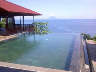 Your dream villa on the beach ! ( Manado Bunaken ) - Tanahwangko vacation rentals