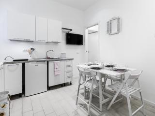 New romantic apartment a few minutes from the Dome - Milan vacation rentals