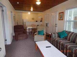 Newly Renovated Ocean Blvd. Cottage - North Myrtle Beach vacation rentals
