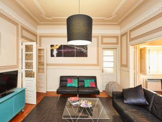 Turquoise House, Stylish Lisbon Apartment - Lisbon vacation rentals