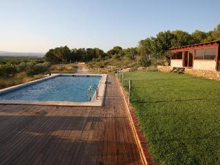 Designer villa in Lliria, next to Valencia, w 4 bedrooms, private pool, large panoramic-view terrace - Benisanó vacation rentals