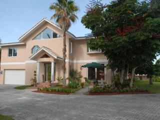 Water Edge @ World Class Residence - Grand Bahama vacation rentals