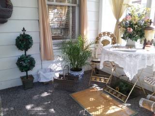QUITE THE STIR BUNGALOW GUEST HOUSE - Gettysburg vacation rentals