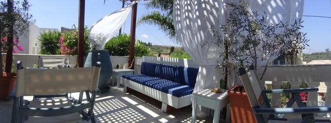 Aegean breeze under canopy curtains.. - Villa Athena Kallergi - medieval village of Loutra - Rethymnon - rentals