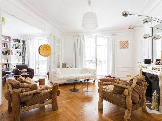 Rue Pétrarque - Paris vacation rentals