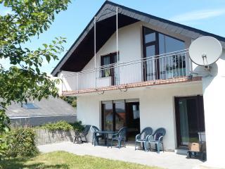 1A Wohnung 130m2 / Top Garten / Top Ausblick - Adenau vacation rentals