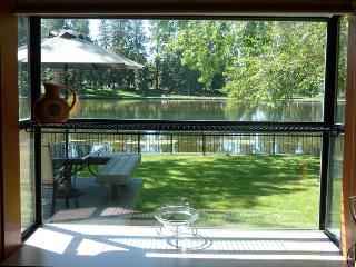 Mirror Pond - Bend vacation rentals
