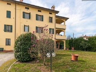 Apartment luxury - Traversetolo vacation rentals