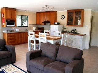 Unwind @ Farmstay Waitpinga - Waitpinga vacation rentals