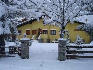 Chalet Alpina 2 bedroom apartment - Pre-Saint-Didier vacation rentals
