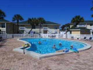 Cozy Two Bedroom Condo With Private Beach Access. Super cute community!!!!!!! - Destin vacation rentals