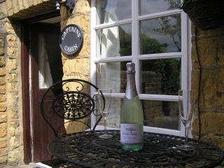 Romantic Grade II Listed Holiday Cottage - Bourton-on-the-Water vacation rentals