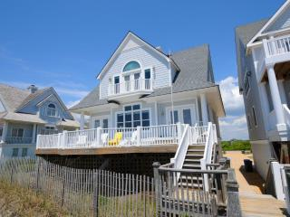 Island Drive 4336 Oceanfront! | Internet, Community Pool, Jacuzzi, Pet Friendly - North Carolina Coast vacation rentals