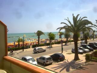 Abruzzo, Apartment on the beach, adriatic coast - Martinsicuro vacation rentals