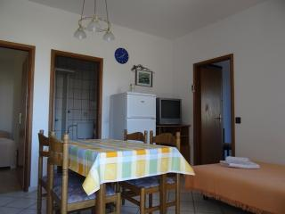 A2a APARTMENT NEAR THE BEACH - Pag vacation rentals