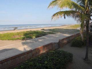 Playas Eventos Bella propiedad en playas villamil - Playas vacation rentals