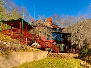 AUGUST SPECIAL! $125/night. Off Grid Mountain Home - Burnsville vacation rentals