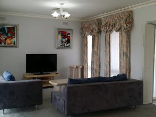 Bellevue Avenue, Doncaster East, Melb, VIC 3109 - Doncaster East vacation rentals