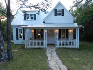 Fall Creek Cottage - Granbury vacation rentals