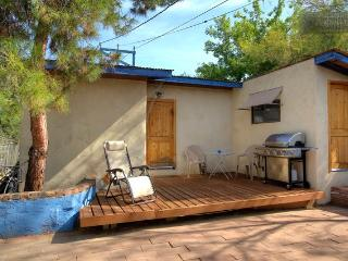 Guesthouse 5 blocks to 4th, 7 to UA - Tucson vacation rentals