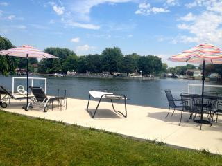 Lake St Clair HOT SPOT Free WiFi Incl Everything! - Lakeshore vacation rentals