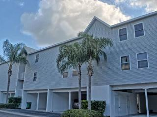 Sandy Pointe 210 - Holmes Beach vacation rentals