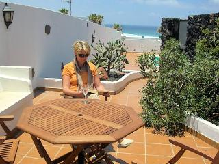 Casa Chicho Holiday Villa Playa Famara Lanzarote - Famara vacation rentals