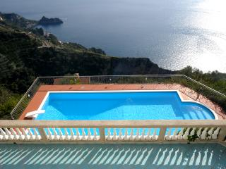 VILLA SIGNORI, ideal location, super views & pool - Amalfi vacation rentals