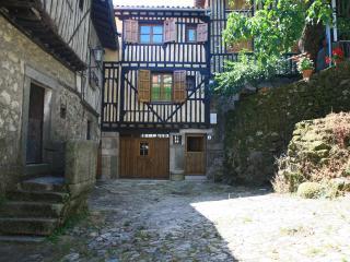 Cosy Holiday Cottage in La Alberca - Villanueva Del Conde vacation rentals