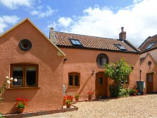THE OLD STABLE, Grade 11 terraced cottage, WiFi, woodburners, in Hutton, Ref 29974 - Somerset vacation rentals