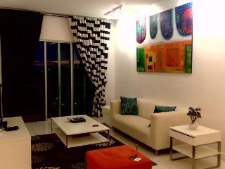 Amisha Home 2 Bedrooms Vacation Apartment Malaysia - Wilayah Persekutuan vacation rentals