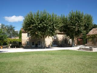 Eygalieres Vacation Rental with a Pool and Internet - Grans vacation rentals