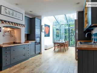 5 Bed house In beautiful Primrose Hill - Sleeps 9. - London vacation rentals